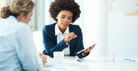 Ik kan u zeggen precies hoeveel u in aanmerking voor..Zuid-Afrika, Advocaat - Juridisch beroep, Afrikaanse etniciteit, Interview - Evenement, Juridisch systeem, schade zakelijk, employee benefits, overleg, bespreking, wkr, werkkostenregeling